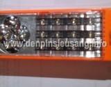 Thông số kĩ thuật: – Màu sắc: đỏ – Chức năng: vừa đèn pin, vừa là đèn chiếu sáng – Công suất pin: 900mAh – LED: 12 + 5 LED – Kích thước: 52 x 30 x 45 mm – Thời gian sử dụng: 8-16 h Giá 80.000 vnđ (Chưa bao gồm VAT)<!-- AddThis Sharing Buttons below -->