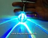 Đèn LED dạng móc khóa giá rẻ đổi màu hình bóng đèn – một món quà, một món đồ trang trí độc đáo. Thông số kỹ thuật: – Loại: Đèn LED – Pin: 3 viên pin cúc áo – Sáng liên tục được 1 – 2 giờ – Kích thước: 55mm x 28mm x 15mm Giá : 30,000vnđ<!-- AddThis Sharing Buttons below -->