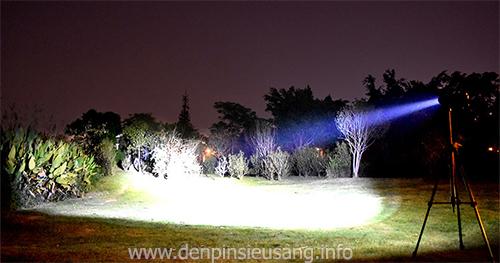 Đèn pin Cree XHP50 Zoom