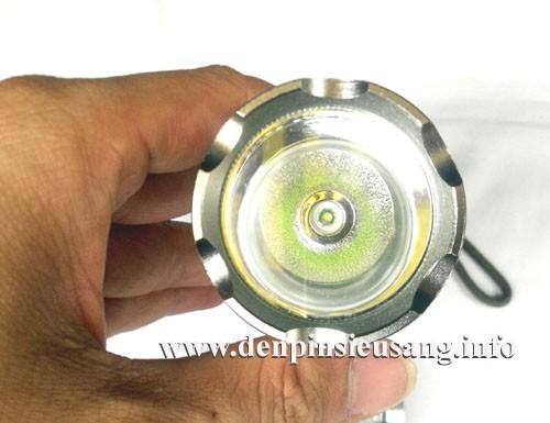Đèn pin siêu sáng HY-305