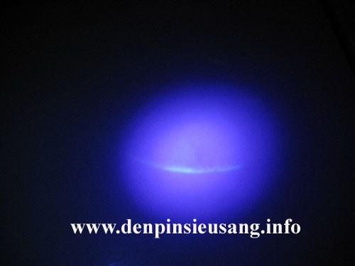 Đèn pin siêu sáng chiếu tia cực tím UV độ sáng mạnh