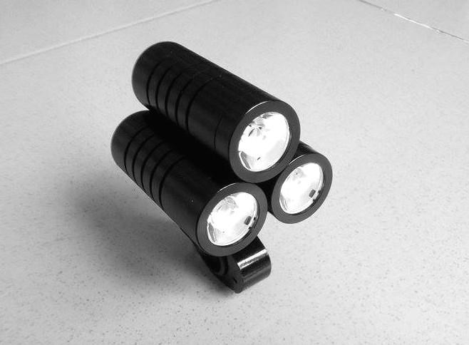 Đèn xe đạp siêu sáng BC 0615 3000lm