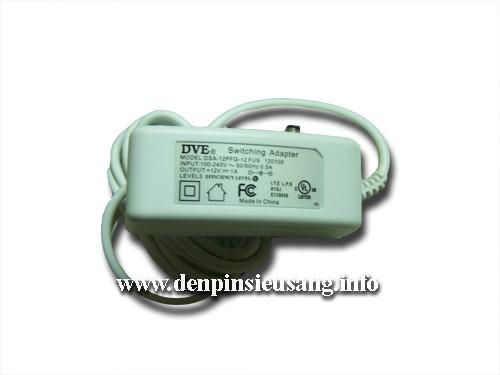 Đèn bàn SML 68 dùng nguồn điện DC nên an toàn hơn