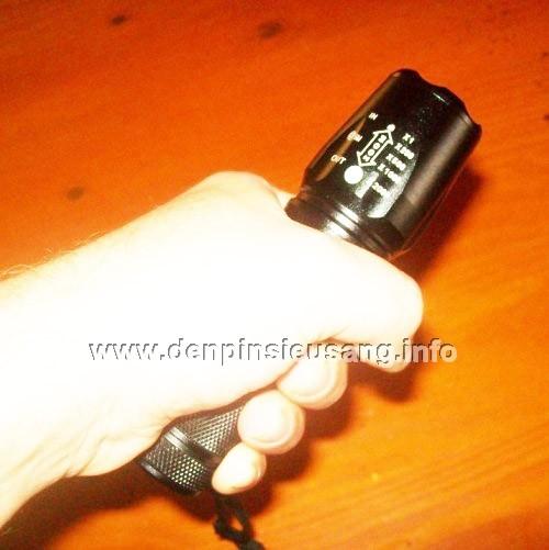đèn pin siêu sáng ultrafire w-878
